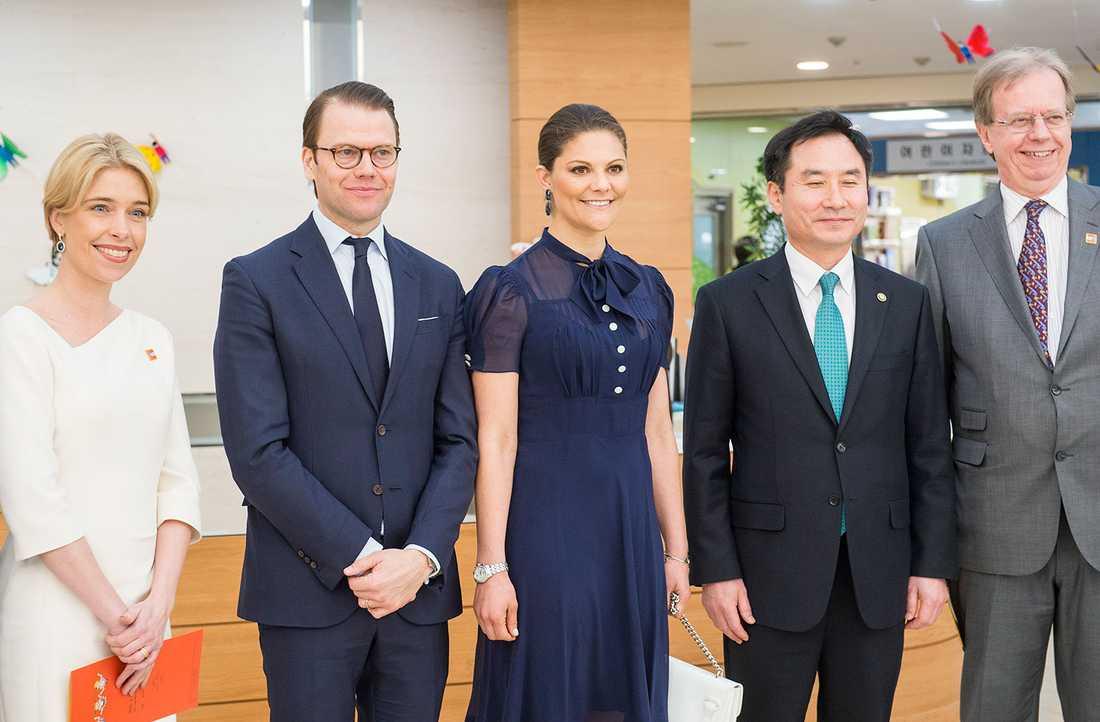 Annika Strandhäll, kronprinsessan Victoria och prins Daniel i Sydkorea.