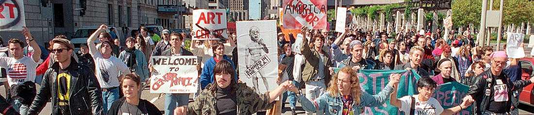Demonstration i Cincinnati 1990 till stöd för stadens moderna museum som ställts inför rätta efter att visat Robert Mapplethorpes fotografier.