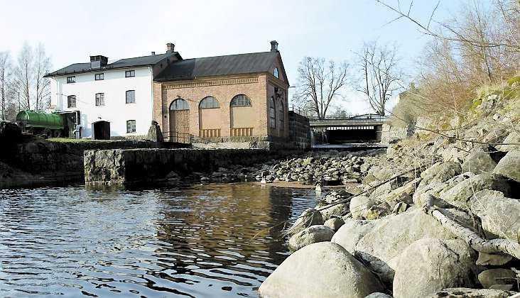 Mackmyra ligger en mil utanför Gävle på en vacker plats vid Gavleåns tillflöden och är en idealisk plats i besöksperspektiv.