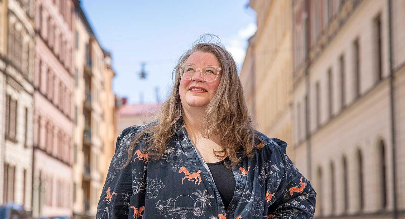 Sarah Ohlsson har gått ifrån att arbeta med barn-tv på SVT till att skriva böcker för barn, bland annat om kaxiga Frallan.
