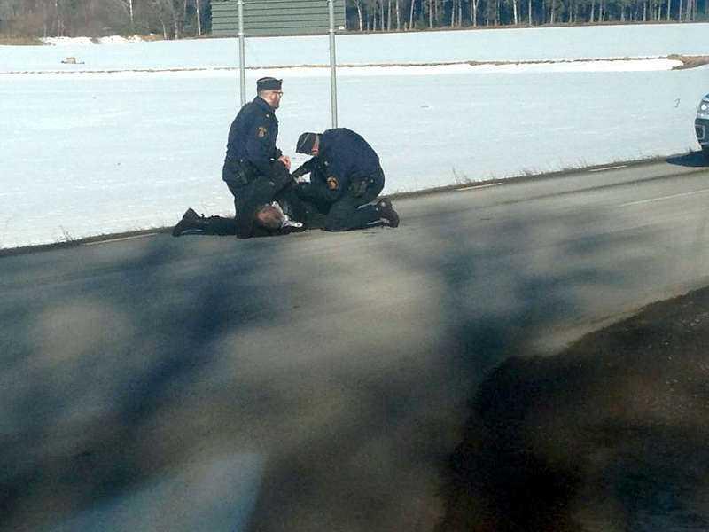 Den 51-årige mannen greps av polis – efter en biljakt längs E20.