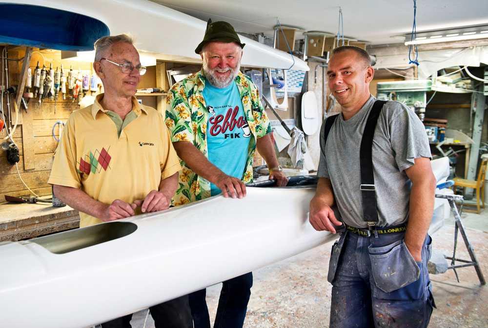 FAMILJEFÖRETAG Firman registrerades 1925, men båtbyggartraditionen hos ägarfamiljen går tillbaka till mitten av 1800-talet. På bild chefen Ingvar Ankervik och sonen Kåre Ankervik.
