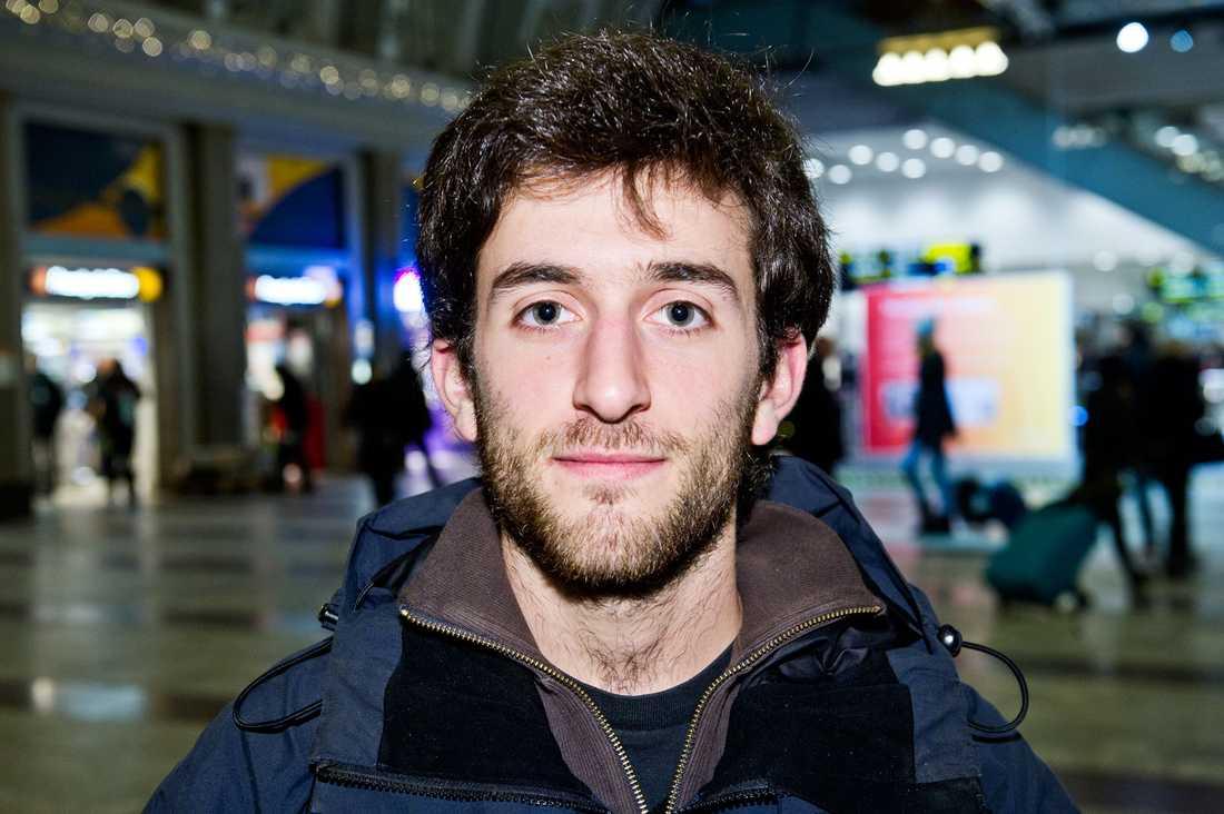 """Vågar du dricka läsk? Javier De Azkue, 20, student, Buenos Aires: """"Ja, men jag kommer att tänka mig för två gånger."""""""