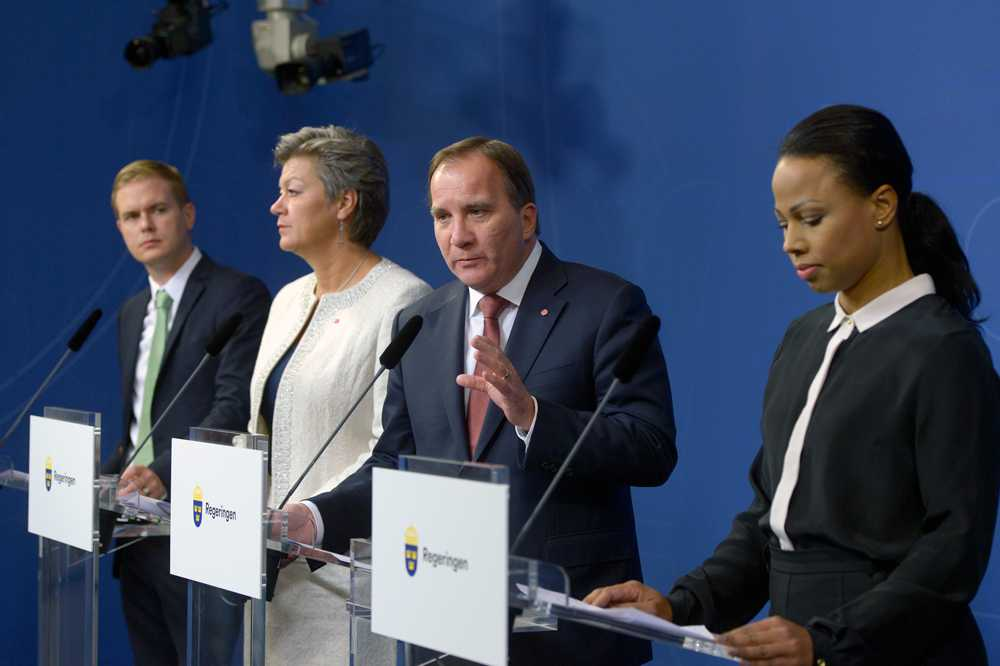 Stefan Löfen (S) höll i regeringens presskonferens på Rosenbad i Stockholm.