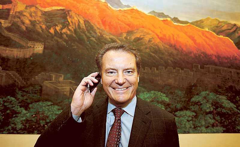 Varsel efter rekordår Ericssonchefen Carl-Henric Svanberg har anledning till att vara nöjd. Fjolårets resultat överträffade alla förväntningar. Trots det får 5?000 anställda gå.