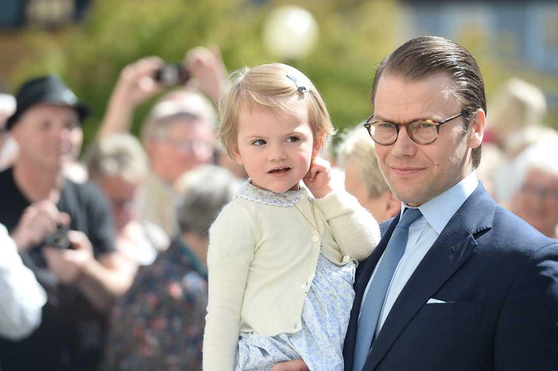 Estelle med pappa Daniel.