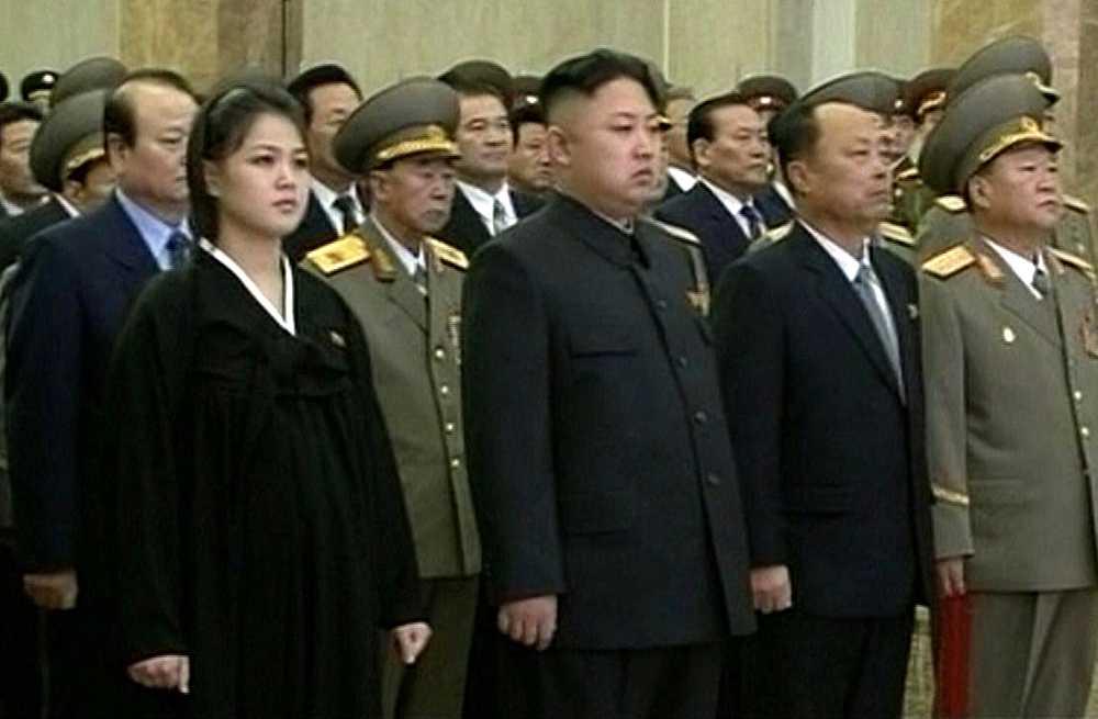 """Efter att ha varit """"försvunnen"""" en längre tid framträdde Ri Sol-Ju i mitten av december 2012 i pösiga kläder - vilket satte fart på spekulationerna om att hon väntade barn."""