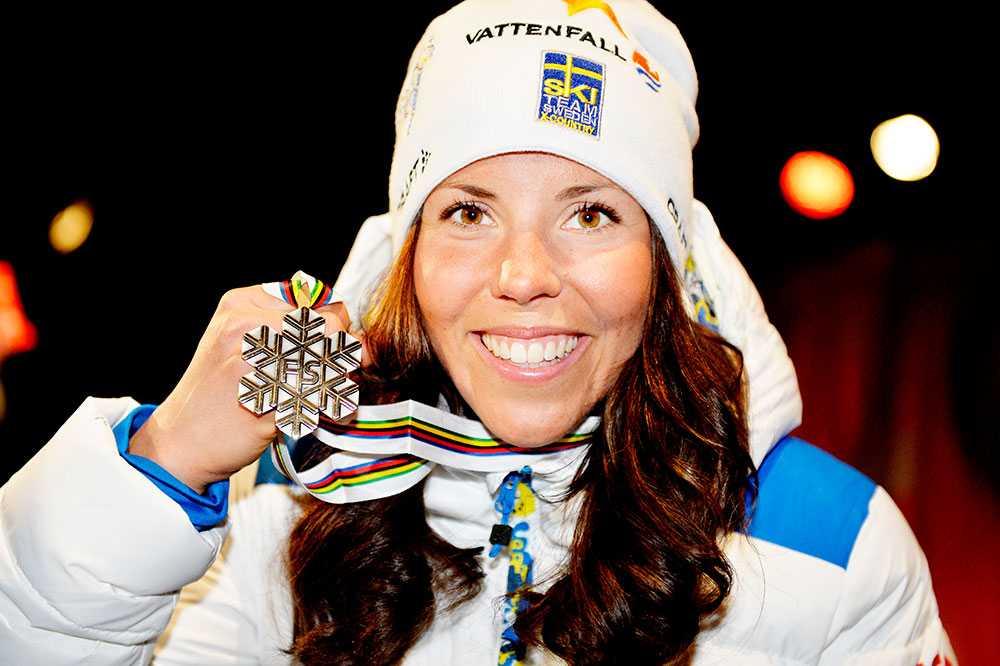 Kallas ftog sin första individuella VM-medalj i skiathlon-loppet under VM i Falun 2015. Det blev ett brons.