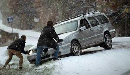 Det är en god idé att rusta bilen inför den hektiska jultrafiken och långresorna.