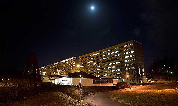 … och den andra sidan Förorter som Hammarkullen, Hjällbo och nederst Vårväderstorget i Biskopsgården där 25-åringen mördades  på onsdagkvällen.