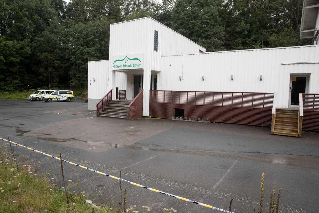 Polisen har lämnat över moskén al-Noor Islamic Centre i norska Bærum till församlingen efter attacken i lördags. Arkivbild.
