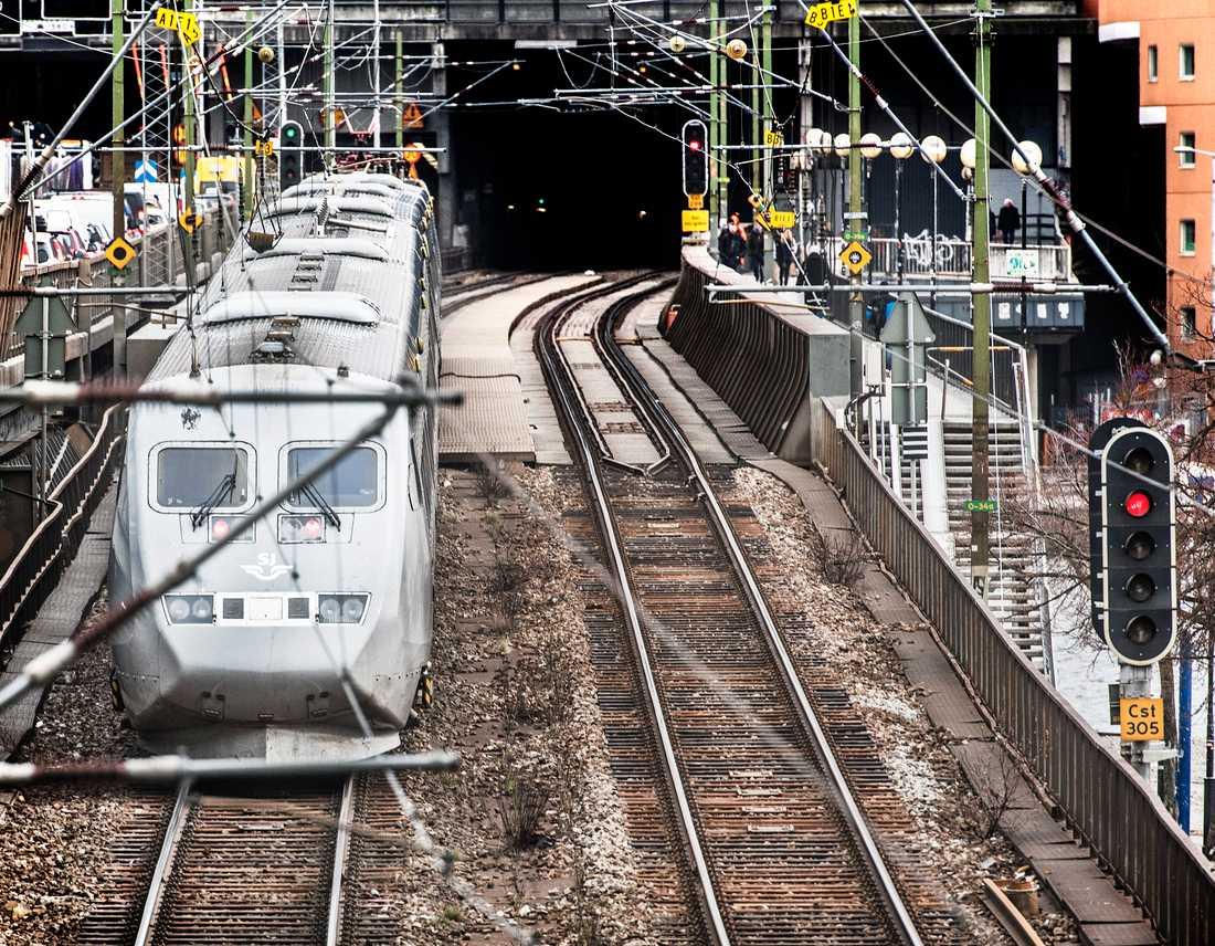 SJ kommer bara att sälja 65 procent av biljetterna på tågen för att minska trängseln. Arkivbild.