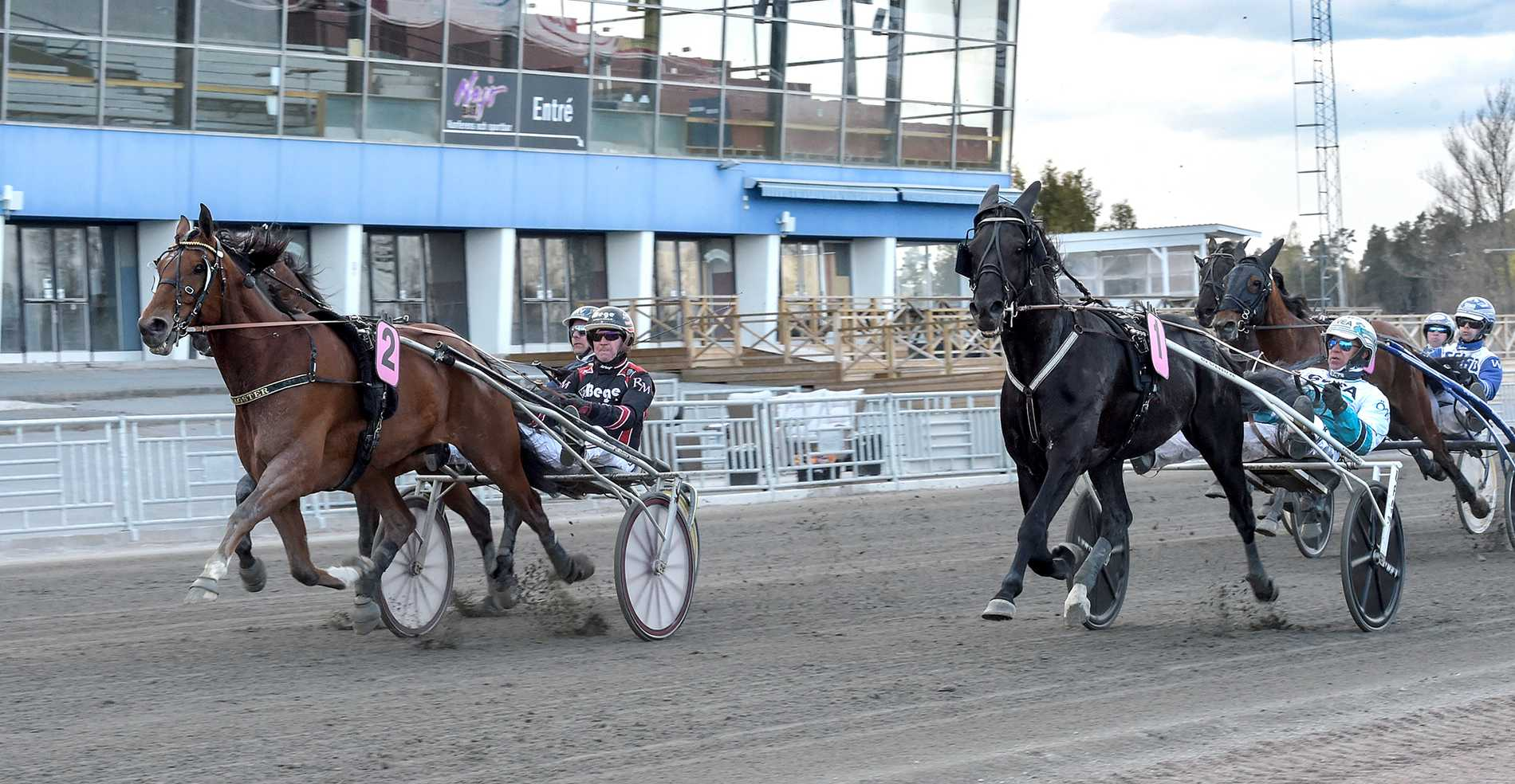 Dragster och Roger Malmqvist vann på V75 den 1 maj i år.