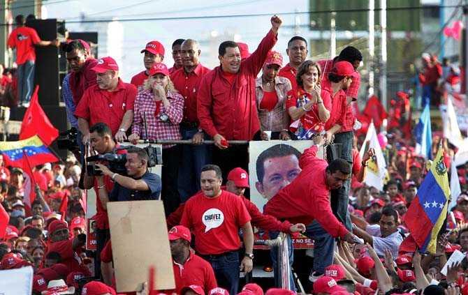 Hugo Chavez kortege längs Avenida Libertador i staden Barquisimeto.