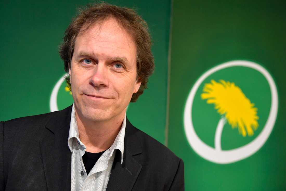 Pär Holmgren, tidigare tv-meteorolog står främst på Miljöpartiets lista till årets Europaparlamentsval. Han har tidigare sagt att demokratin borde avskaffas för att avvärja klimathotet.