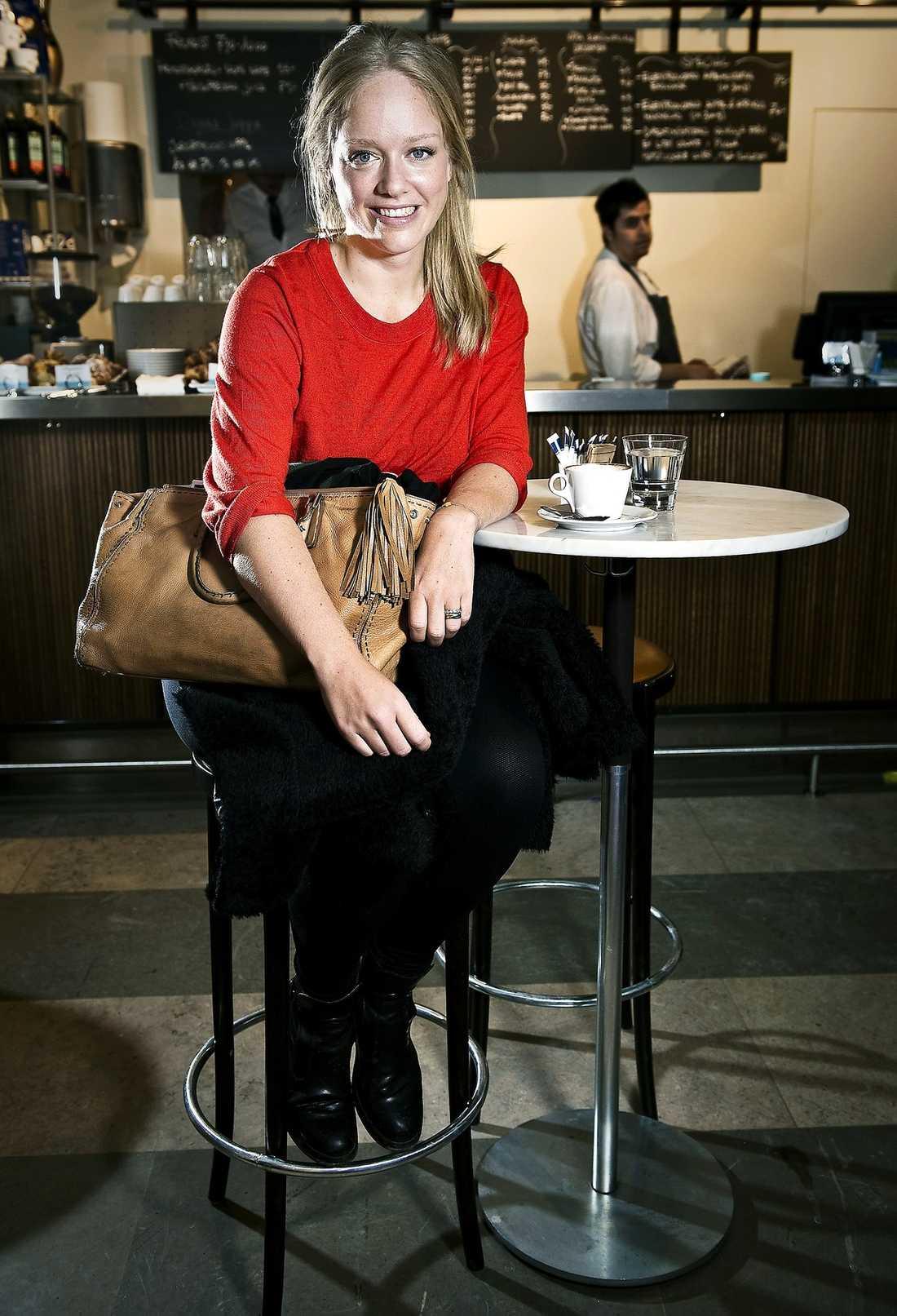6f5ec1dbb263 OROLIG Ebba von Sydow poserar proffsigt under fotograferingen – hon har  viss erfarenhet, efter att