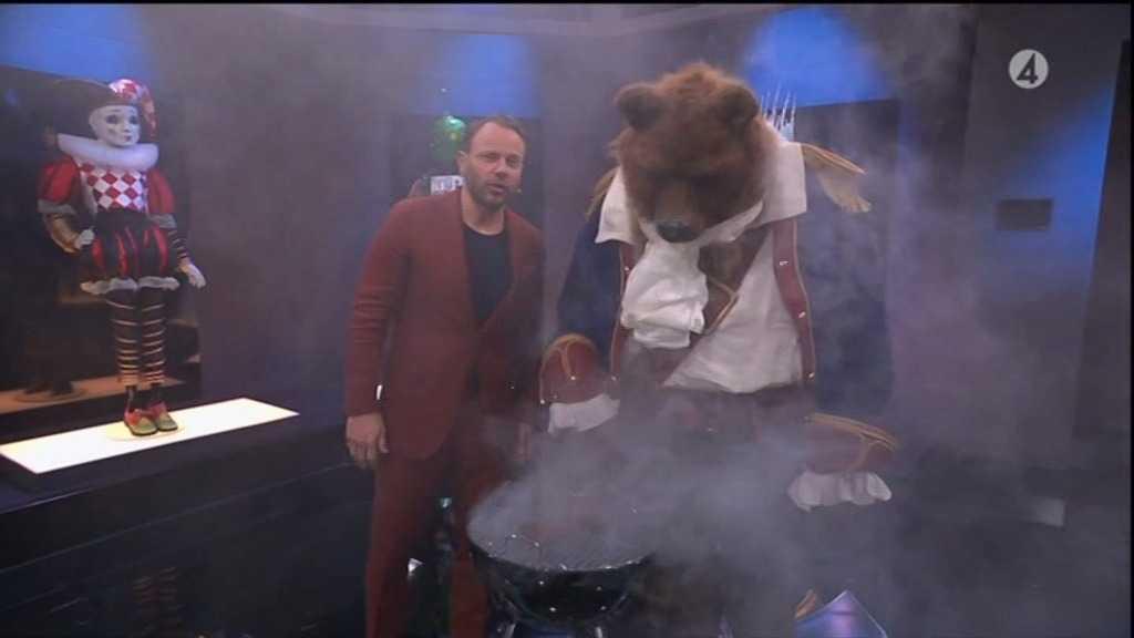 Sjöbjörnen grillar. Vad kan den ledtråden betyda?