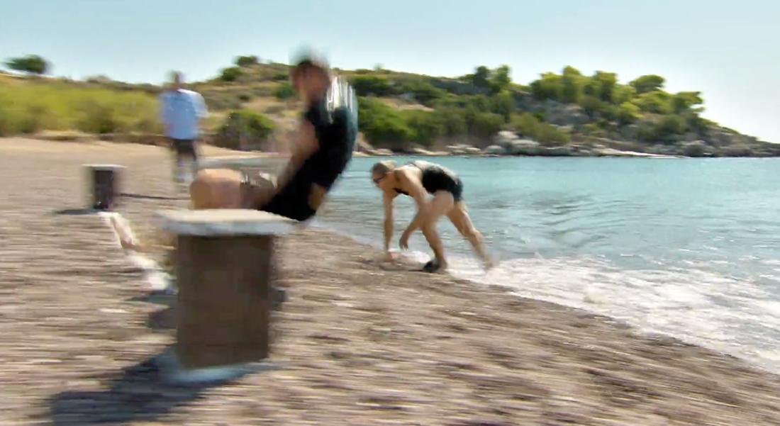 Kim Källström kastar sig över mållinjen.