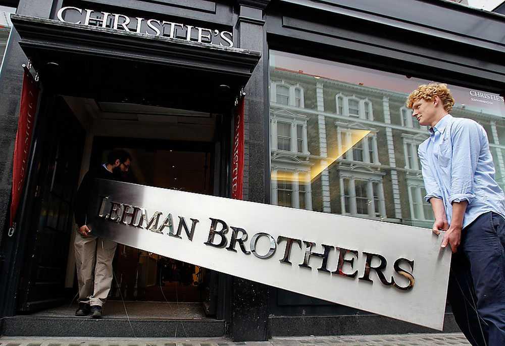 Finanskrisens orsak  2008 försattes den amerikanska investmentbanken Lehman Brother i konkurs. Det blev starten för finanskrisen som spred sig över världen.