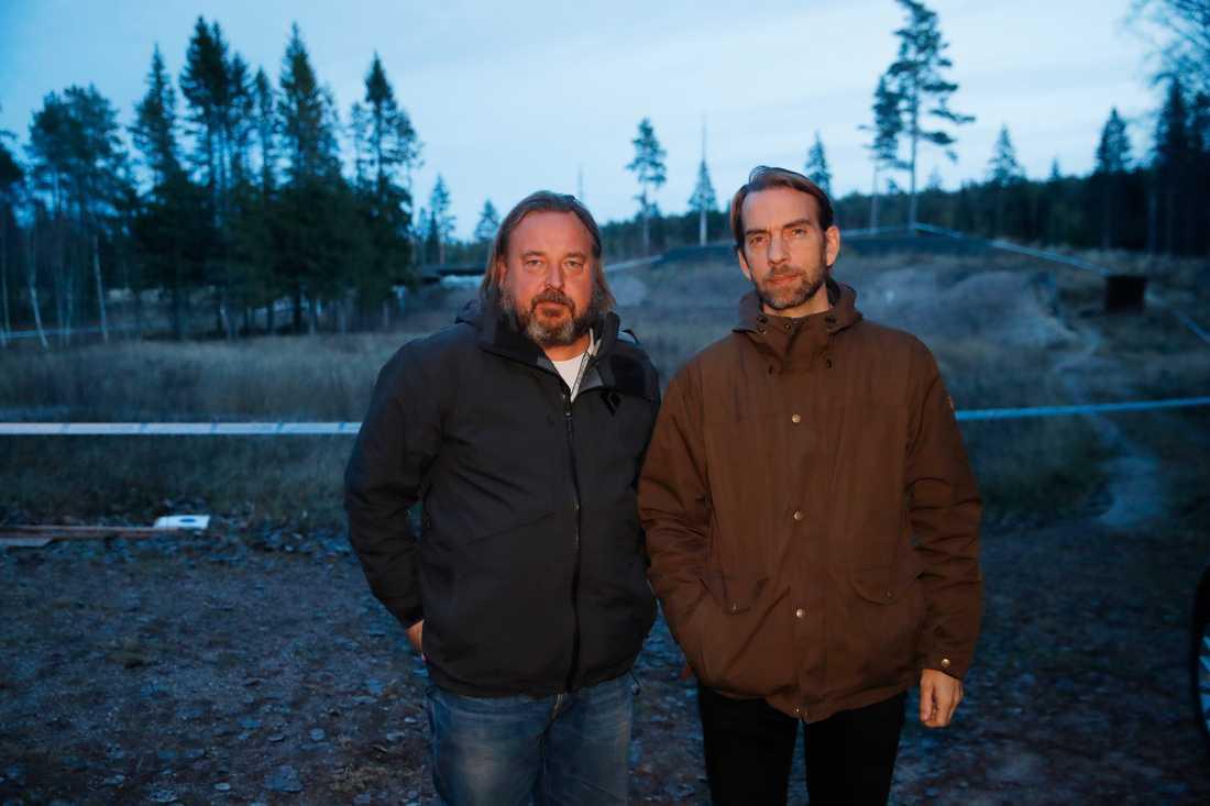 Aftonbladet fotograf Nils-Petter Nilsson och reporter Oskar Forsberg på plats i Norbergs kommun.