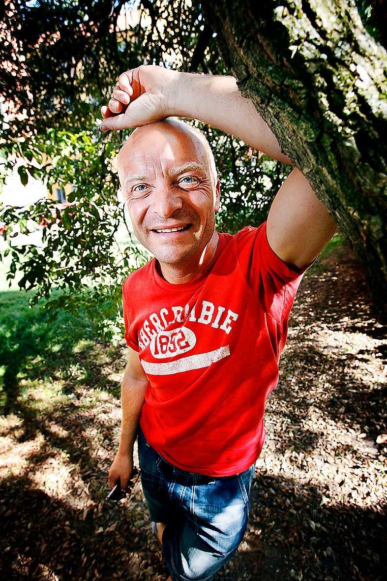 """""""Kom ut? Jag har aldrig varit inne!"""" Jonas Gardell, augusti 2006, om att komma ut."""