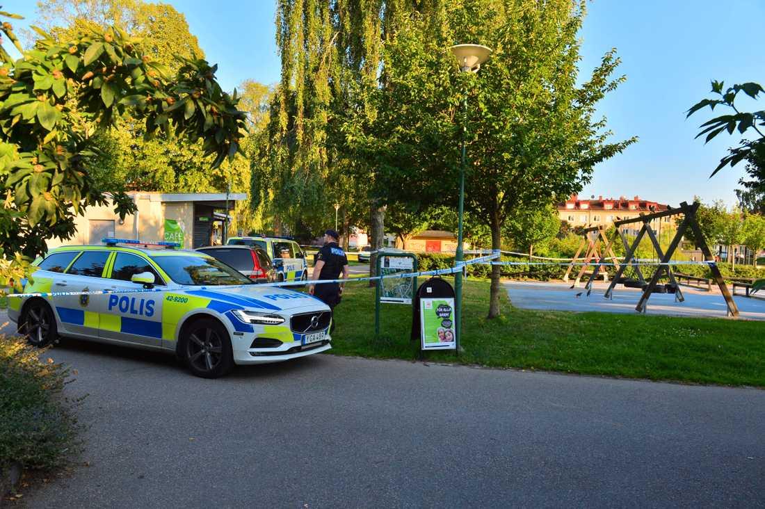 Skottlossning i Vasaparken i Norrköping.
