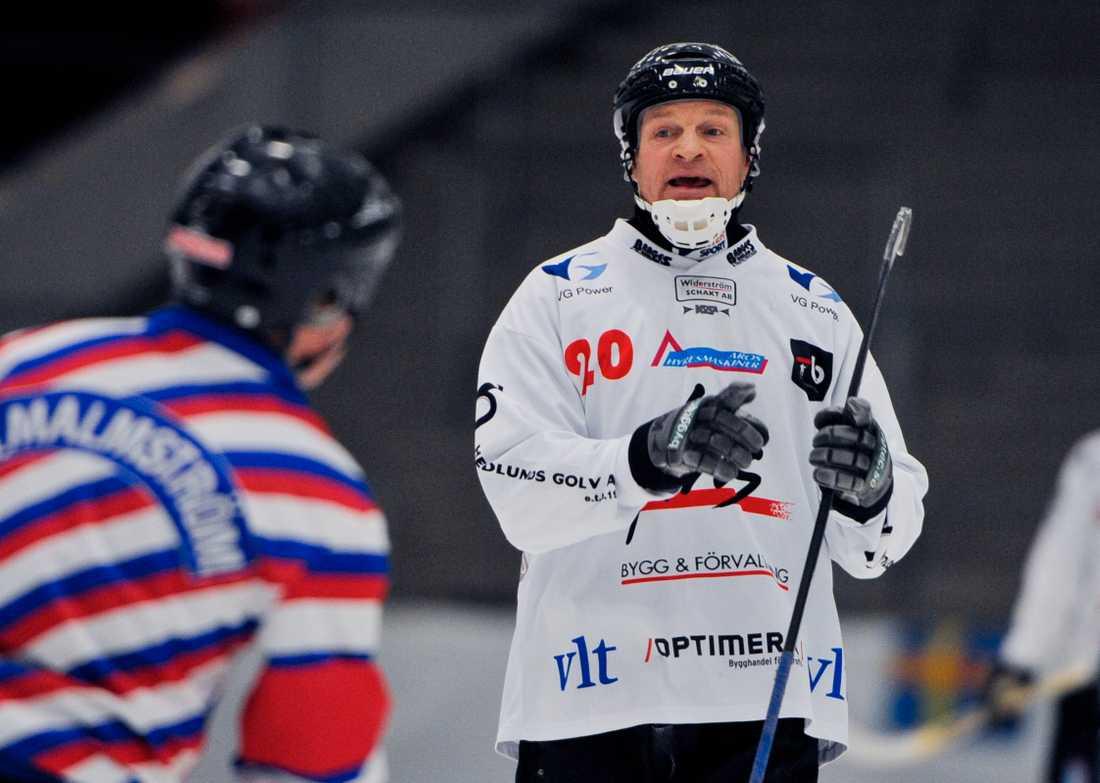 Fosshaug har synpunkter på domaren i en match mellan Tillbergas B-lag och Djurgården 2012.
