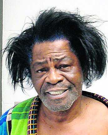 I januari 2004 arresterades James Brown för misstanke om att ha misshandlat sin 33-åriga fru Tomi Rea Brown. Hon hade ringt polisen och hävdat att han knuffat henne i golvet under ett gräl. Brown fick böta 7 000 kronor.