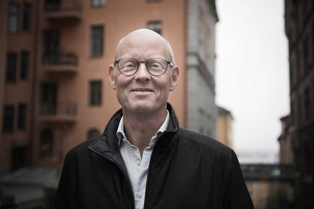 Fick prostatacancer När Lars Murman, 58, drabbades av prostatacancer fick han olika besked av olika läkare om vilken behandling han skulle välja. Han tog då reda på fakta på egen hand.