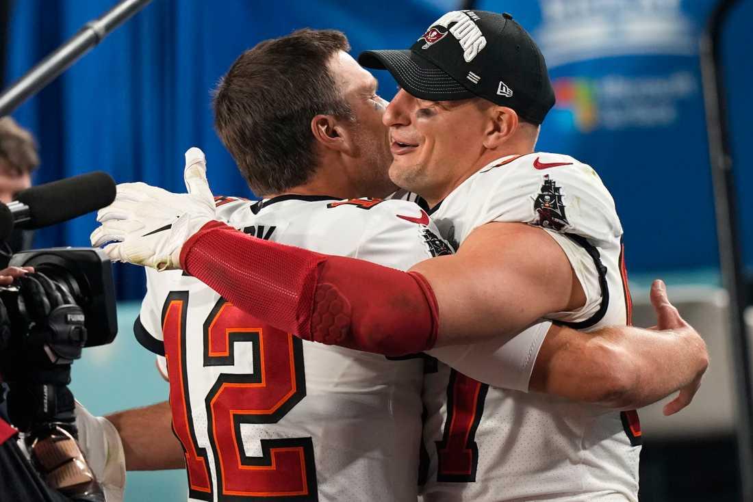 Tom Brady (vänster) och Rob Gronkowski (höger).