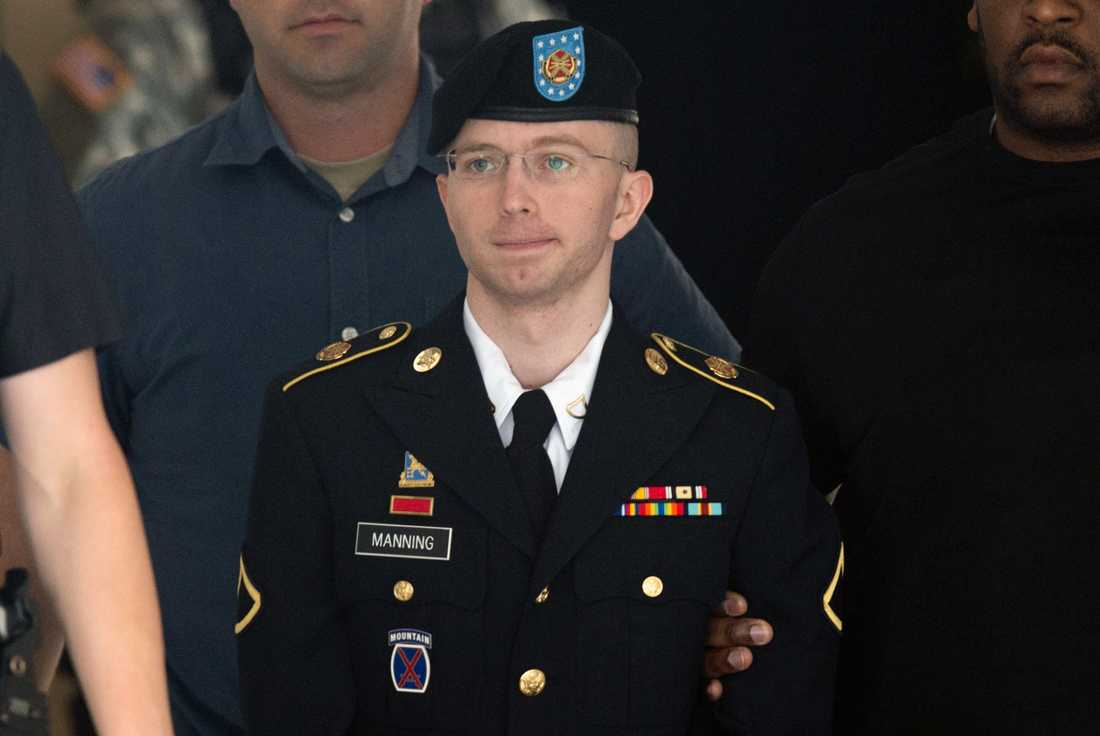 Chelsea Manning, den tidigare soldaten läckte hemliga dokument till Wikileaks. Nu får hon sitt straff förkortat av Barack Obama.