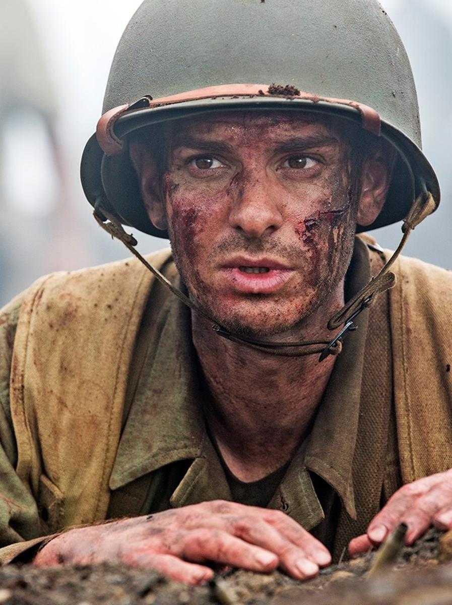 "Andrew Garfield som Desmond Doss i ""Hacksaw ridge""."