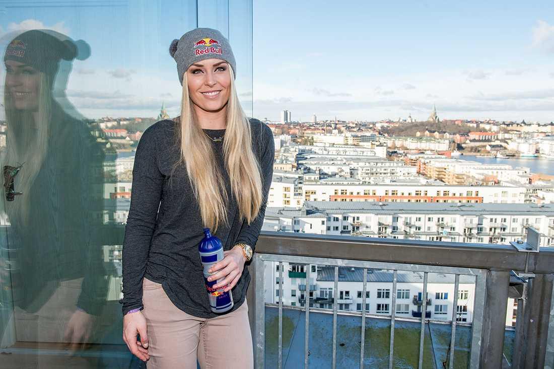 Lindsey Vonn på plats i Hammarby sjöstad för kvällens slalomtävling.