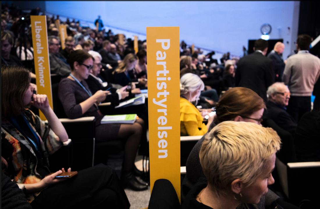 Frågan är ett hett debattämne på Liberalernas landsmöte i Västerås.