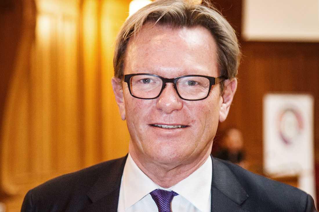 Riksdagsledamot Michael Svensson (M) lämnade också sin plats.