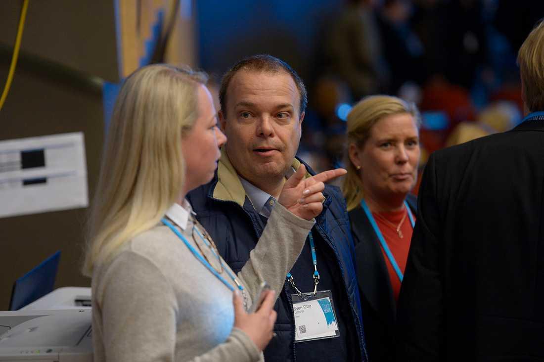Sven Otto Littorin, 49, är i dag företagare. Han var arbetsmarknadsminister (M) 2006-2010 och minglade loss bland många gamla partikamrater på M-stämman.