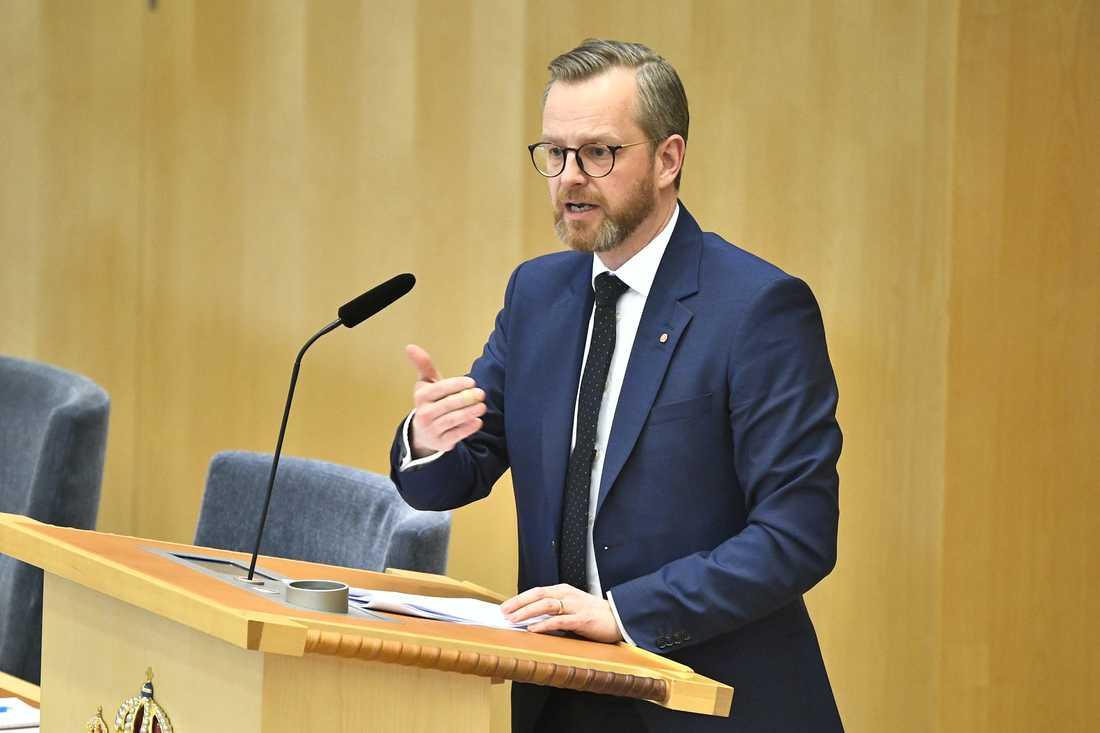 Inrikesminister Mikael Damberg (S) under tisdagens debatt.