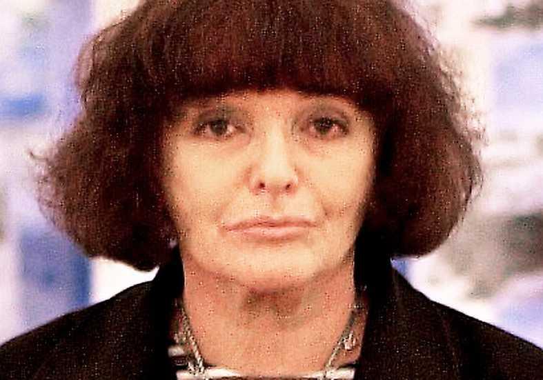 Hanna Krall (född 1935), polsk journalist och författare.