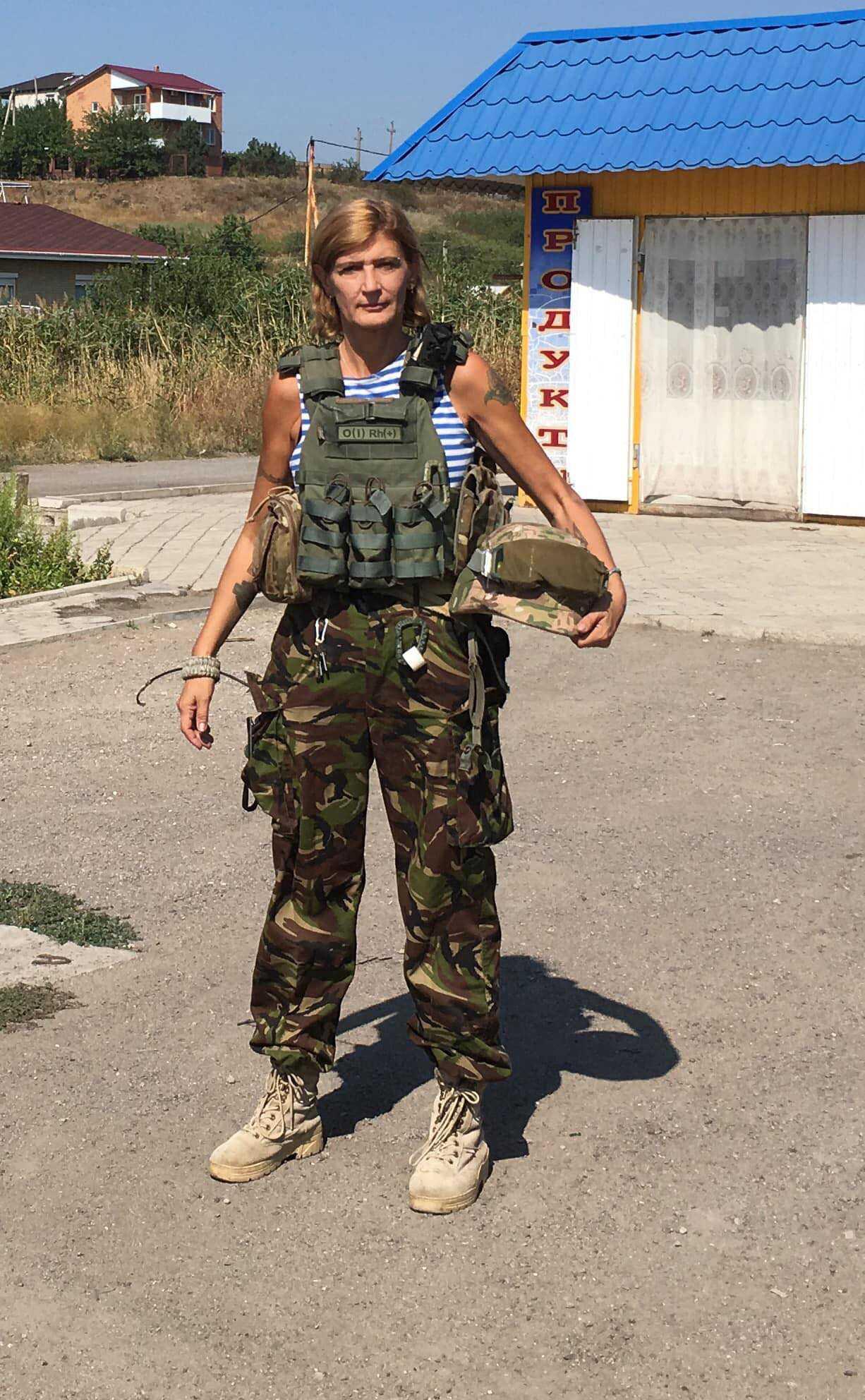 Nina Albertsson på plats i Ukraina. Bild från hennes egen Facebook-sida.