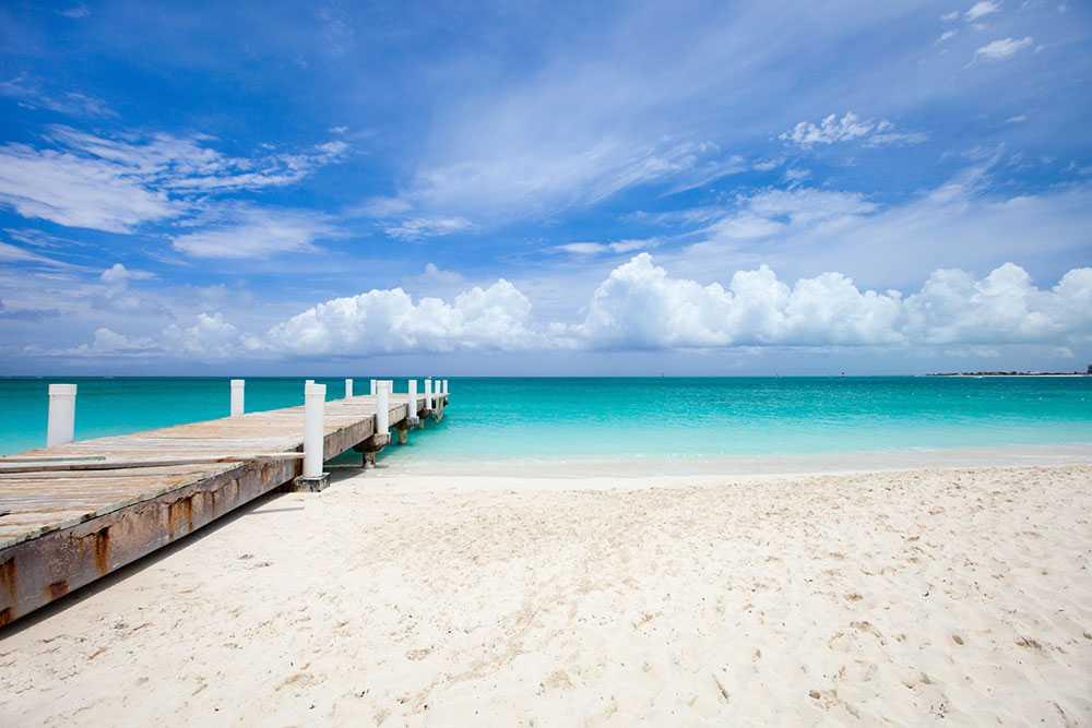 Grace Bay på Turks and Caicos har kritvit sand och kristallklart vatten.