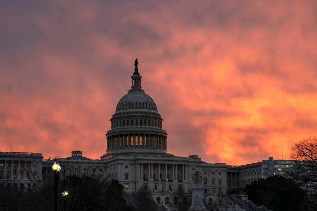 Kongressbyggnaden Captolium i Washington DC. Det är här en eventuell budgetuppgörelse om att öppna statsapparaten måste röstas igenom.