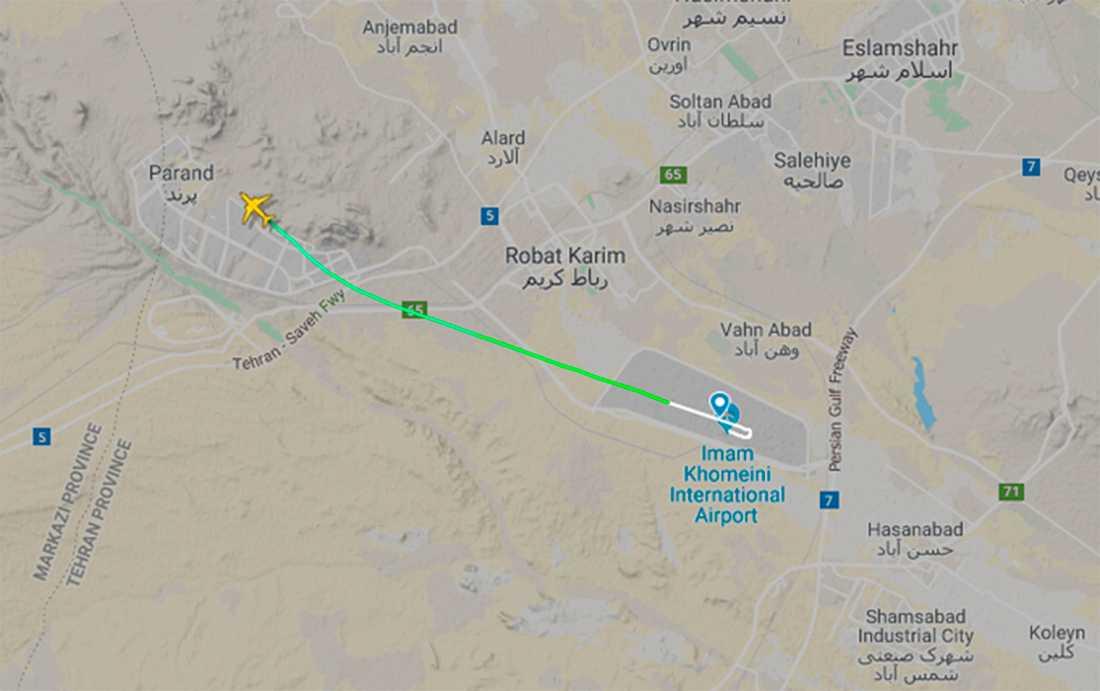 Skärmbild från Flightradar24 visar planet vid tiden för kraschen.