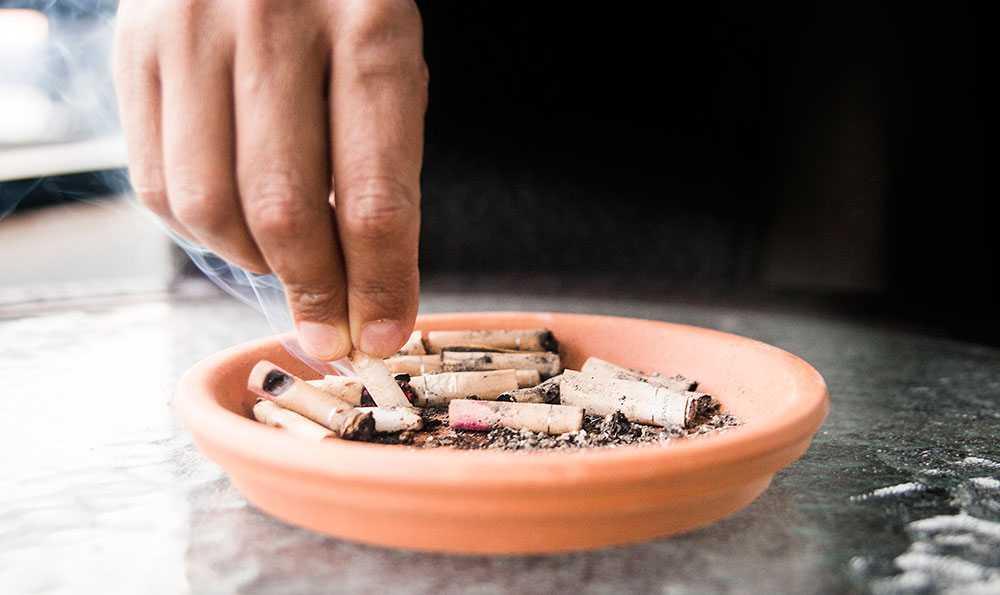 1:a juli 2019 utökades rökförbudet i Sverige till att även gälla uteserveringar till restauranger och kaféer.