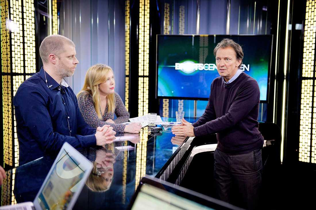 Polisen Lars Utter med Brottscentralens Linda Hjrtén och Lennart Ekdal.