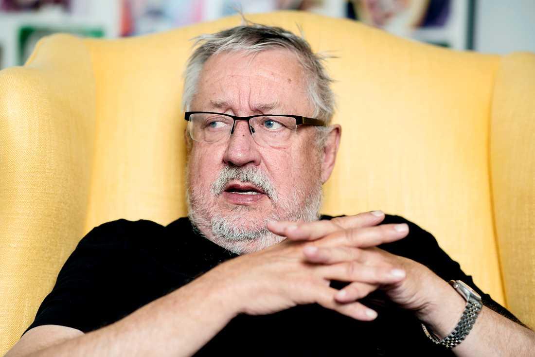 Leif GW Persson har tidigare varit kritisk mot Kerstin Skarps sätt att driva Palmeutredningen.
