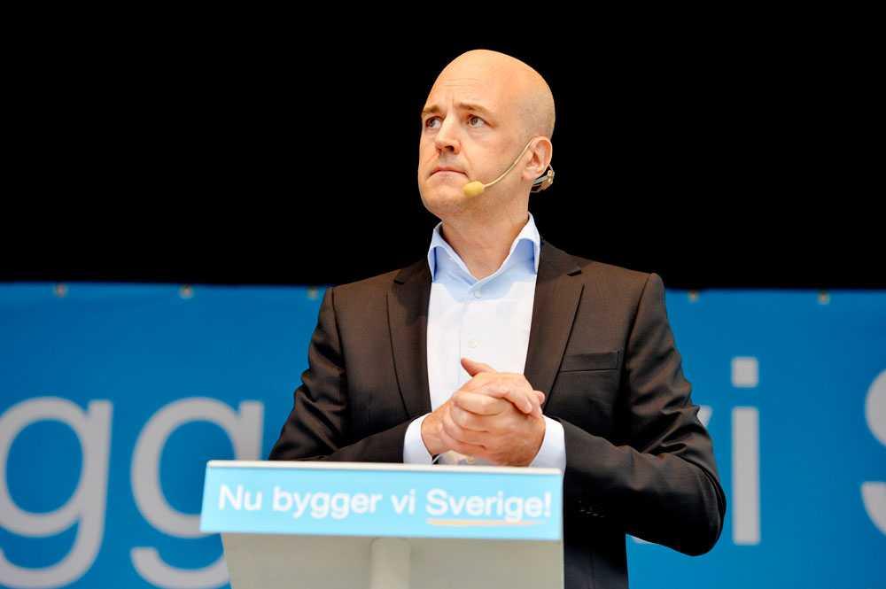 Fredrik Reinfeldt och Moderaterna kom 2013 med ett förslag om betyg från årskurs 3. Nu ställer man sig bakom Alliansens gemensamma förslag om betyg från årskurs 4.