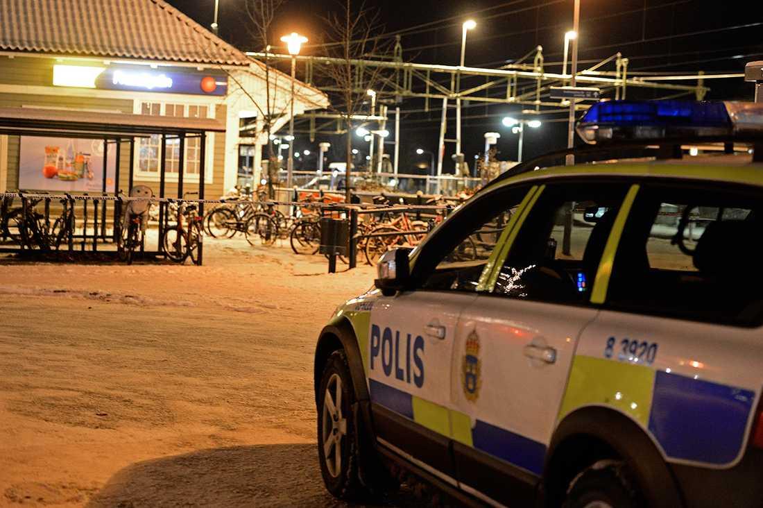 Enligt Aftonbladets källa med insyn i utredningen har machete använts som vapen.