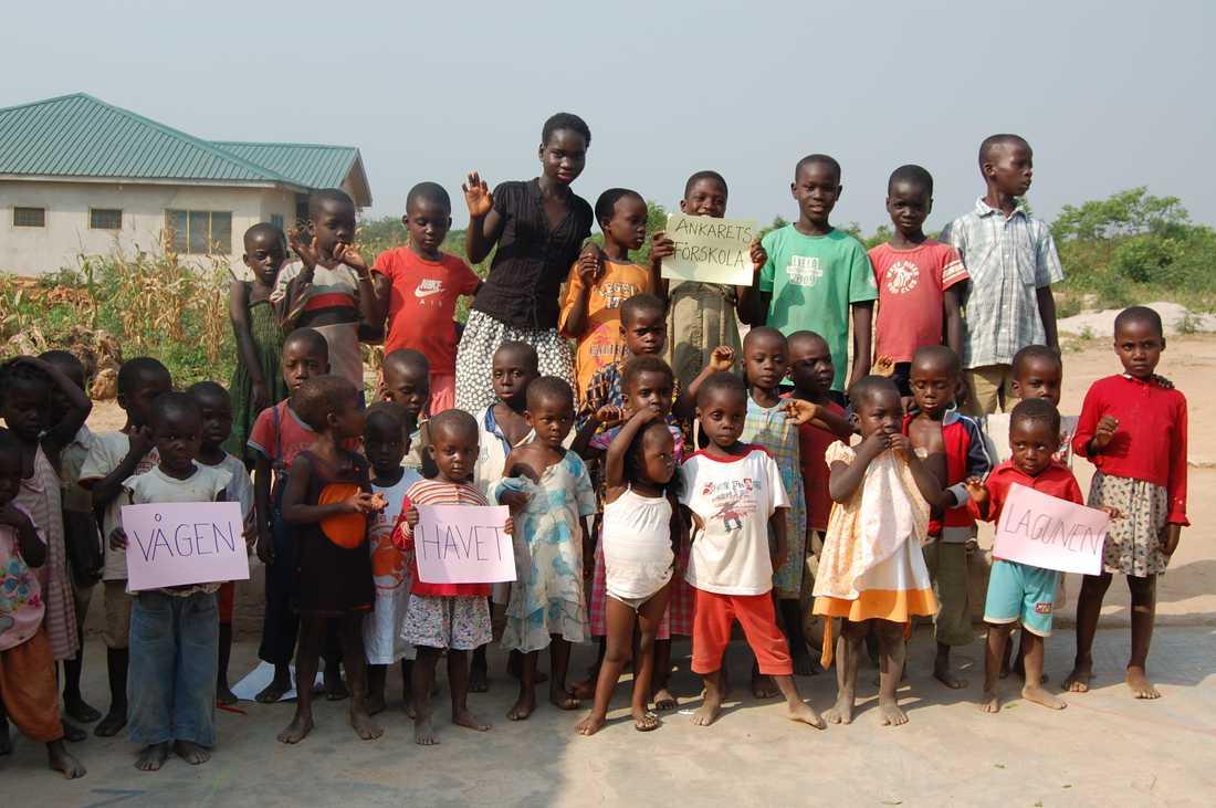 Det lilla barnhemmet har byggts ut och har nu plats för drygt 70 barn. Skolan tar emot elever upp till årskurs 9 och drygt 20 anställda arbetar inom anläggningen.