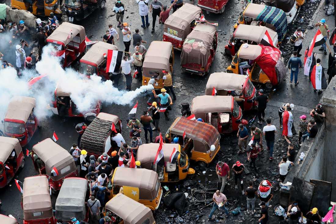 Protester i Irak på onsdagen.