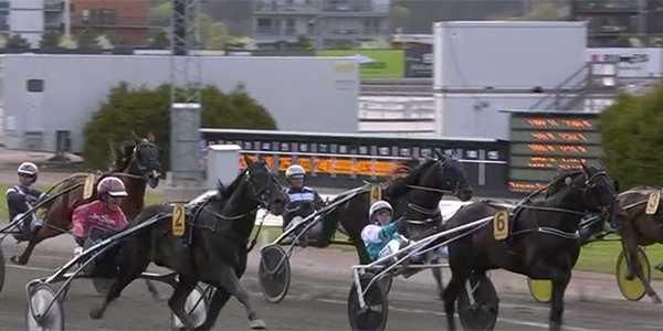 Johan Untersteiner och Aetos Kronos vinner Kungapokalen före Don Fanucci Zet.